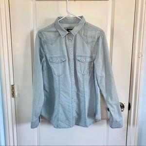 (NWT) H&M | Light Blue Denim Button Up Shirt